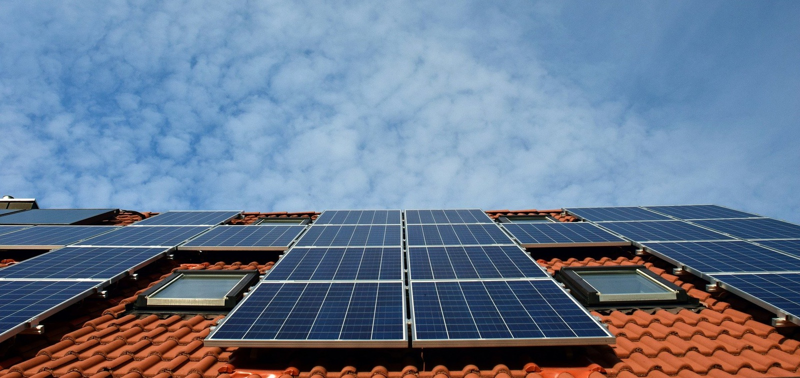 New Tesla program aims to cut costs, sell solar like a household appliance