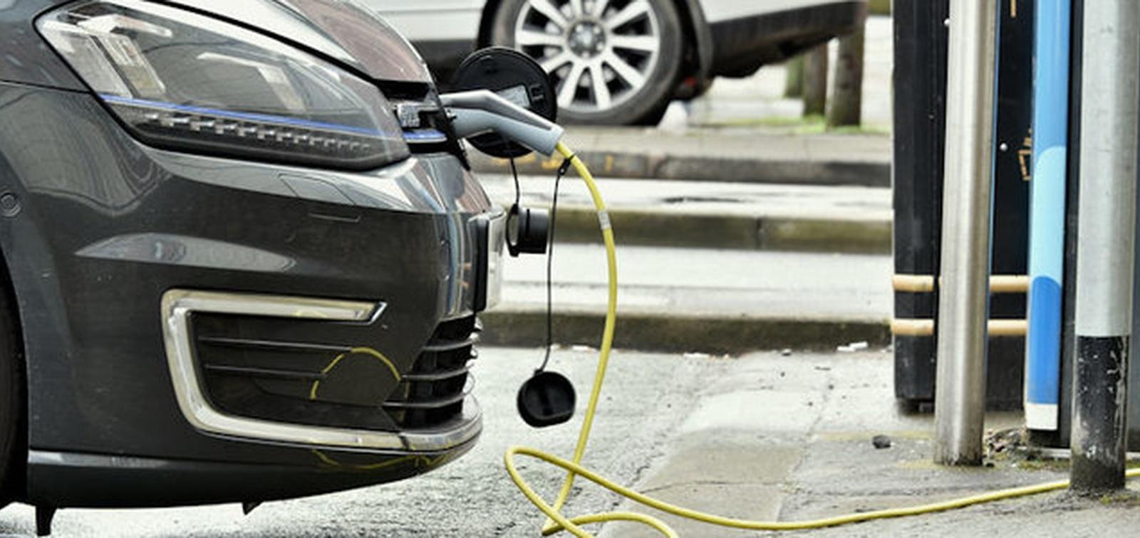 Xcel preps new EV programs to address 'suboptimal' charging incentives in Minnesota