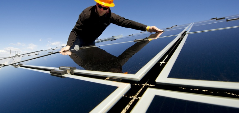 Is solar worth $0.33 per kWh? Inside Maine's valuation debate